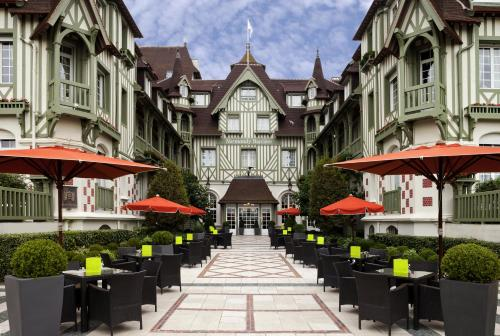 Hôtel Barrière Le Normandy : Hotel near Deauville
