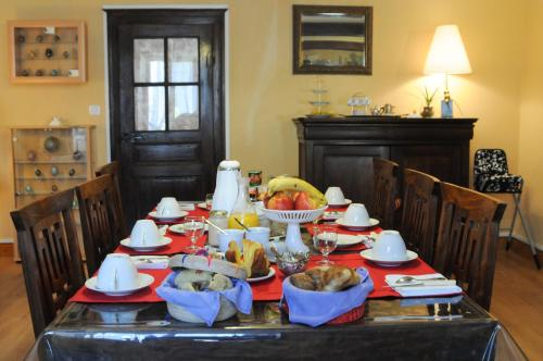 Au Clos d'Ardennes : Bed and Breakfast near Boulzicourt