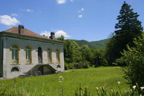 Villa Pradias : Guest accommodation near Izaourt