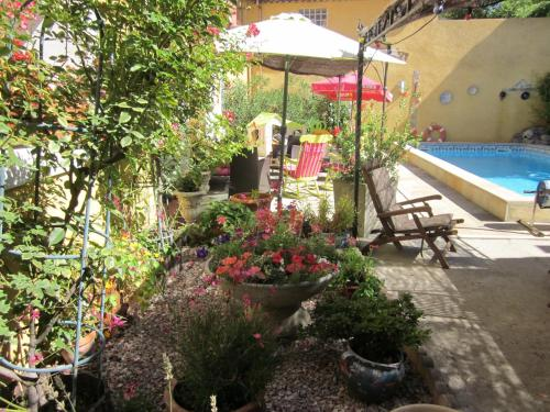 Chez Martine Côté Jardin : Bed and Breakfast near Carcassonne