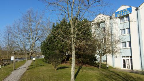 Hotel Noctuel : Hotel near Clairefontaine-en-Yvelines