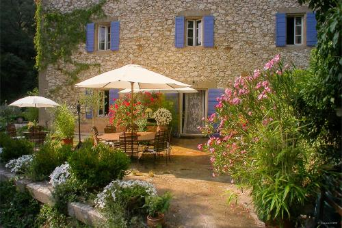 Le Moulin du Rossignol : Bed and Breakfast near Saint-Estève-Janson