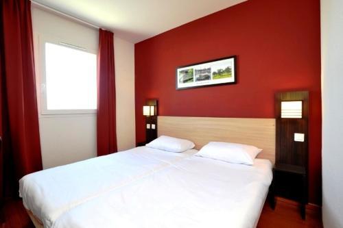 Résidence et Hôtel - Saleilles Perpignan Sud : Hotel near Bages