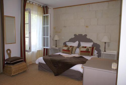 Maison d'hôtes Villa Richelieu : Hotel near Leigné-les-Bois