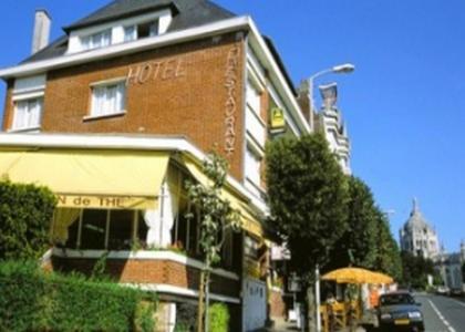 Logis Terrasse Hôtel : Hotel near Saint-Germain-de-Livet
