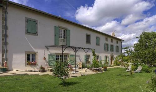 Au bon gre d'hugoline : Bed and Breakfast near Chomelix