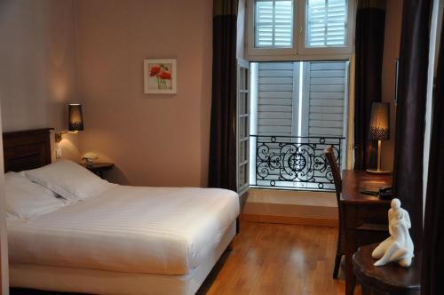 Hotel The Originals Orthez La Reine Jeanne (ex Inter-Hotel) : Hotel near Argelos