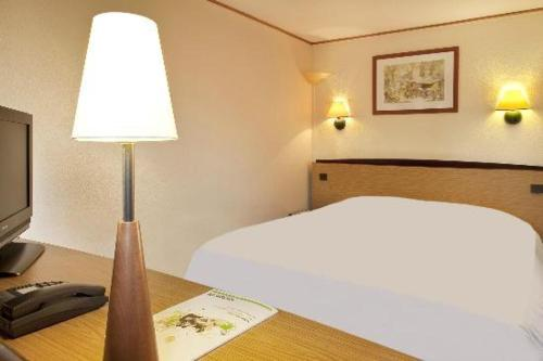 Kyriad Le Blanc-Mesnil : Hotel near Sevran