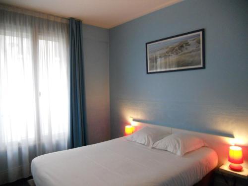 Inter-Hotel Rouen Notre Dame : Hotel near Rouen