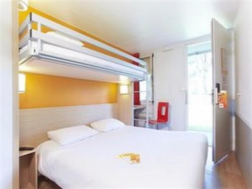 Premiere Classe Auxerre : Hotel near Laduz