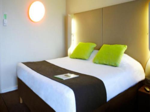 Campanile Auxerre - Monéteau : Hotel near Laduz
