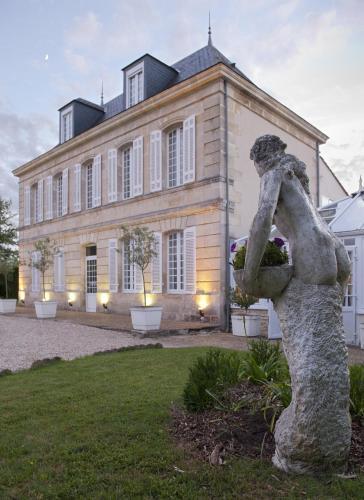 Château Beau Jardin : Hotel near Saint-Germain-d'Esteuil