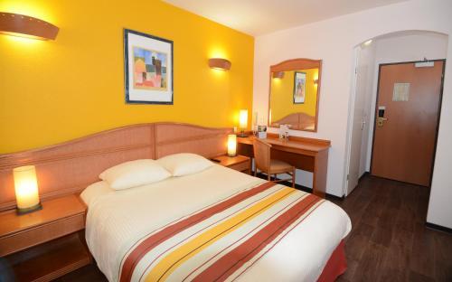 Hotel Roi Soleil Strasbourg Mundolsheim : Hotel near Gingsheim