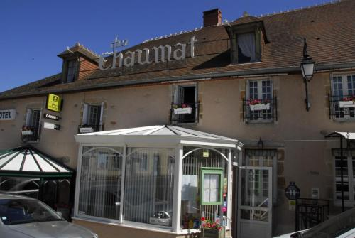 Hotel Chez Chaumat : Hotel near Theneuille