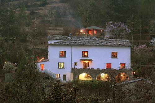 Le Mas Des Pots Rouges : Bed and Breakfast near Mandagout