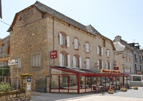 Hôtel Le Portalou : Hotel near Les Salelles