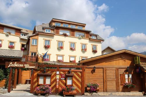 Hôtel Restaurant & Spa Les Autanes : Hotel near La Rochette