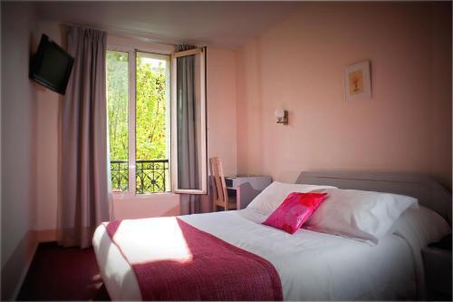 Hôtel Crimée : Hotel near Paris 19e Arrondissement