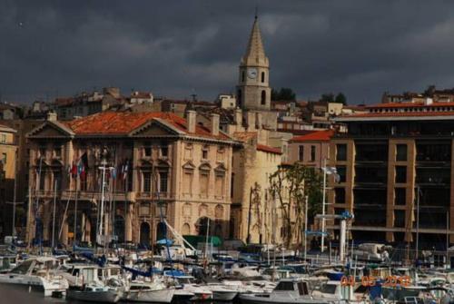 Sous le Clocher : Apartment near Marseille 2e Arrondissement
