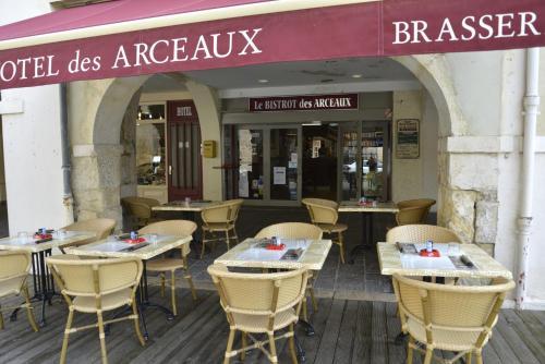 Hotel Les Arceaux : Hotel near Serres-Gaston