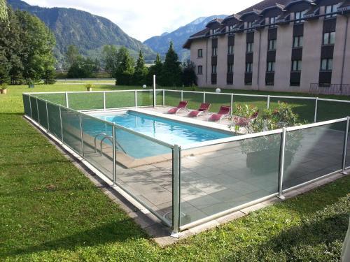 Mont Blanc Hotel : Hotel near Reignier-Esery