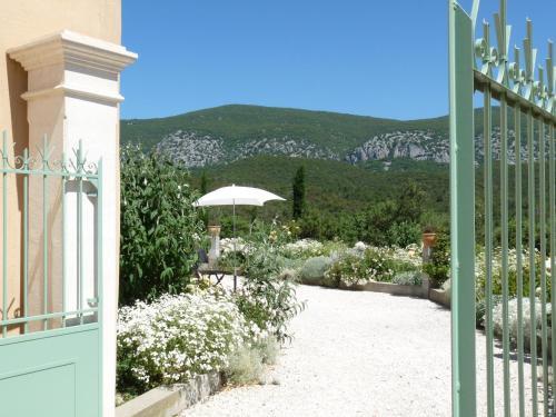 Domaine de Coussères : Guest accommodation near Campoussy