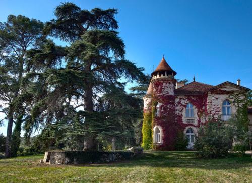 Château Marteret : Guest accommodation near Saint-Paul-de-Baïse