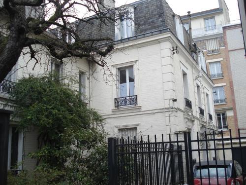 Le Mansart : Apartment near Saint-Mandé