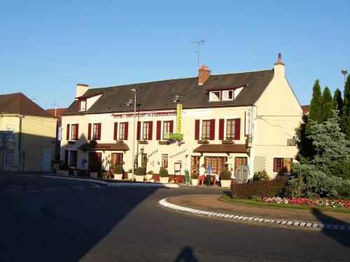Hotel de L'agriculture : Hotel near Frasnay-Reugny