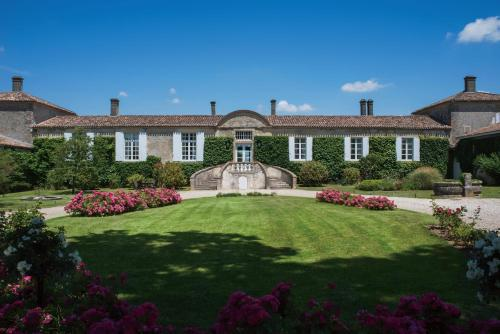 Hotel The Originals Relais du Château d'Arche (ex Relais du Silence) : Hotel near Virelade