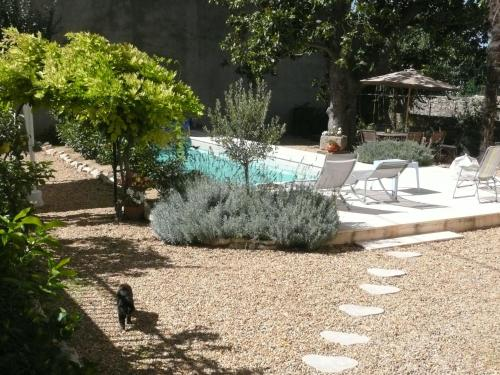 Clos du Magnolia : Bed and Breakfast near Prades-sur-Vernazobre