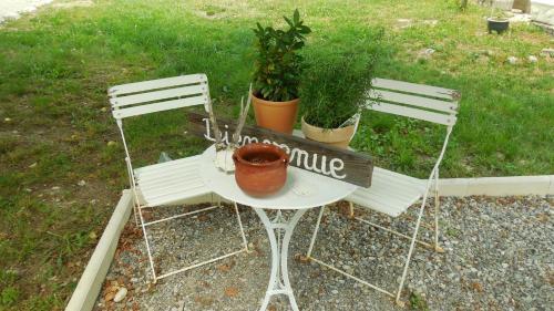 Gites Ferme Ollivier : Guest accommodation near Saint-Genis