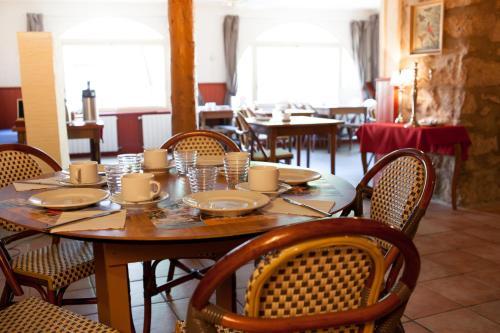 Auberge Le Romarin : Hotel near Borne