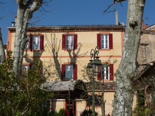 Auberge de Correns : Hotel near Châteauvert