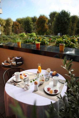 Maison Decoret : Hotel near Saint-Priest-Bramefant
