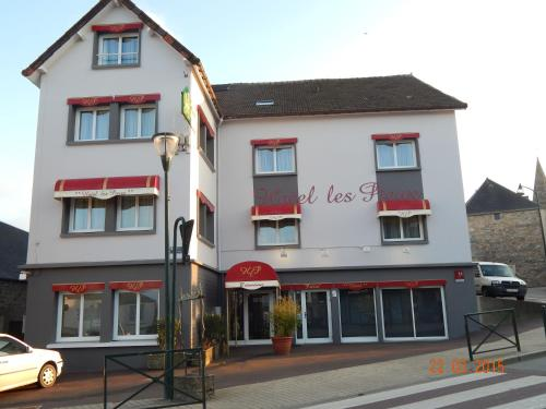 Hôtel Les Pieux : Hotel near Saint-Christophe-du-Foc