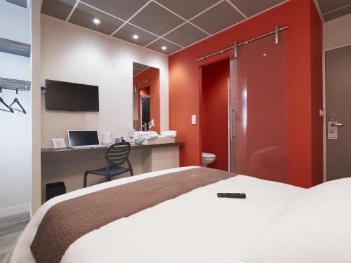 Kyriad Nantes Centre Graslin : Hotel near Bouguenais