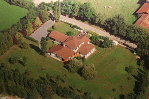 Parc de la Charmille : Bed and Breakfast near Marsonnas