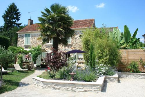 Chambres d'Hôtes Le Petit Nailly : Bed and Breakfast near Milon-la-Chapelle