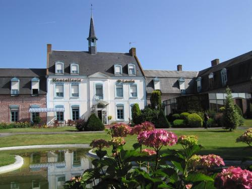 Hostellerie Saint Louis : Hotel near Volckerinckhove