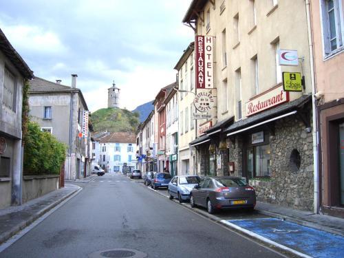 Hostellerie de la Poste : Hotel near L'Herm