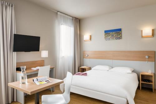 Aparthotel Adagio Access Dijon République : Guest accommodation near Remilly-sur-Tille
