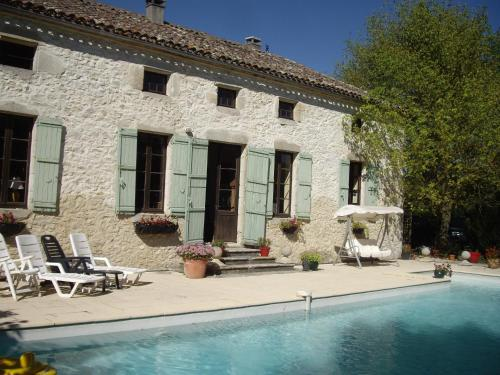 Biou : Bed and Breakfast near Montaut