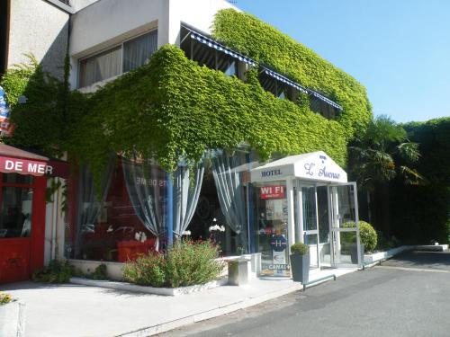 Hôtel de L'Avenue : Hotel near Thénac