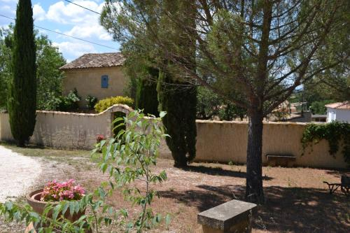 Le Mas des Elfes : Bed and Breakfast near Cannes-et-Clairan