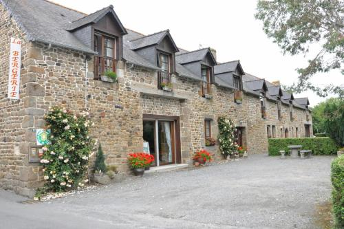Chambres et Table d'Hôtes - La Bergerie : Guest accommodation near Saint-Marcan
