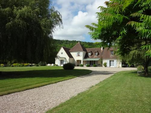 L'Avenir : Bed and Breakfast near Pacy-sur-Eure