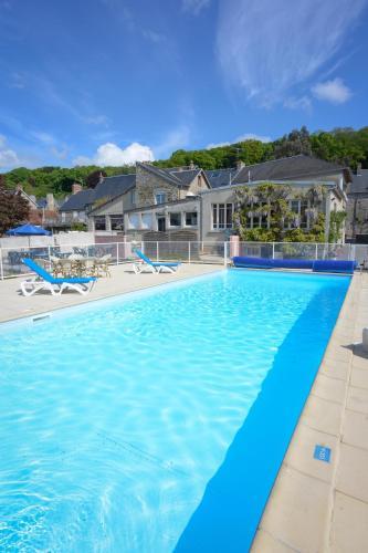 Hotel Restaurant Des Bains : Hotel near Dragey-Ronthon