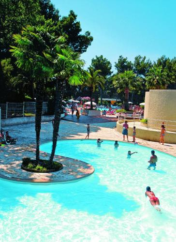 Belambra Clubs Grasse - Les Jasmins : Guest accommodation near Pégomas