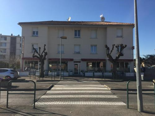 Le Logis Dauphinois : Hotel near Manthes